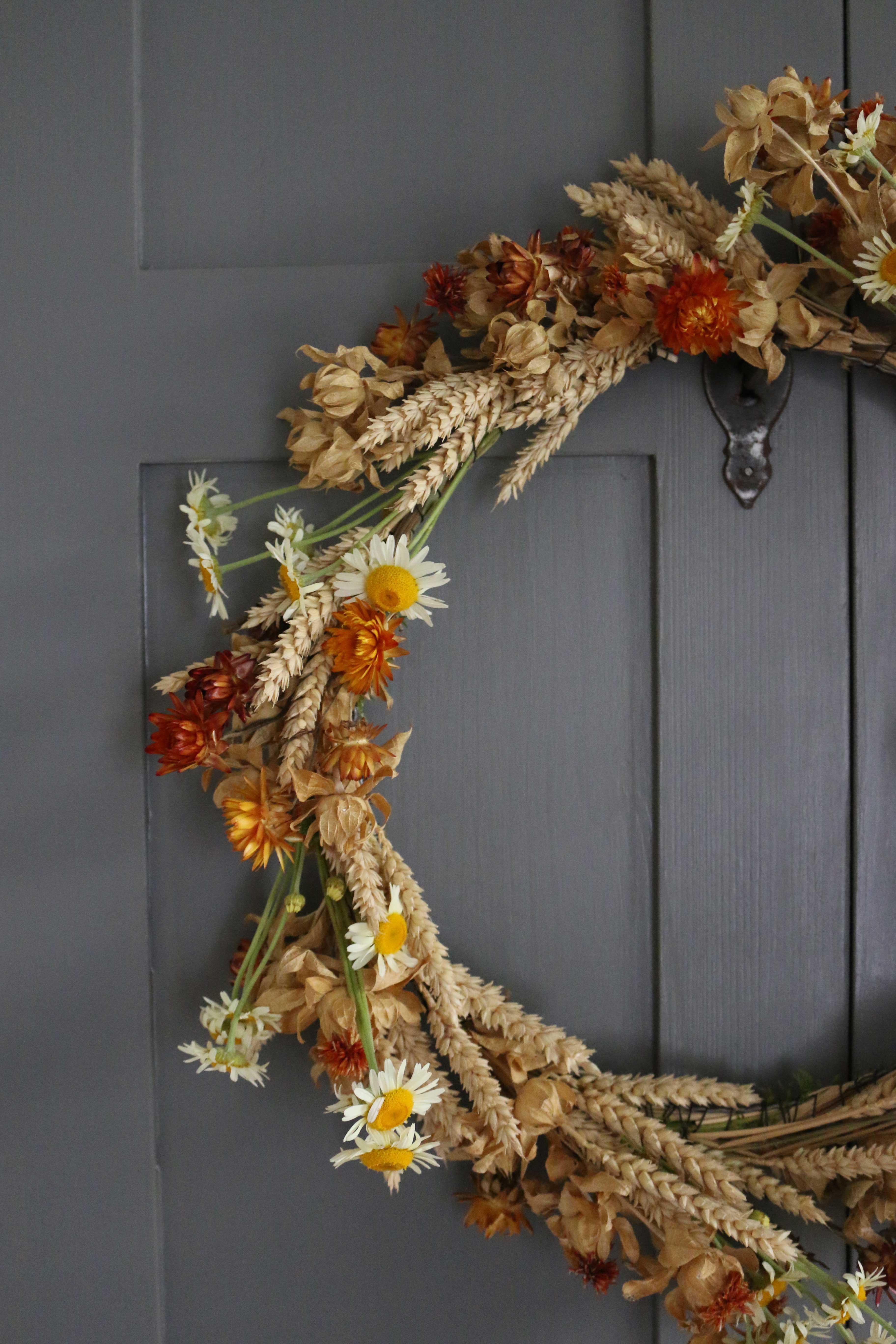 krans met droogbloemen