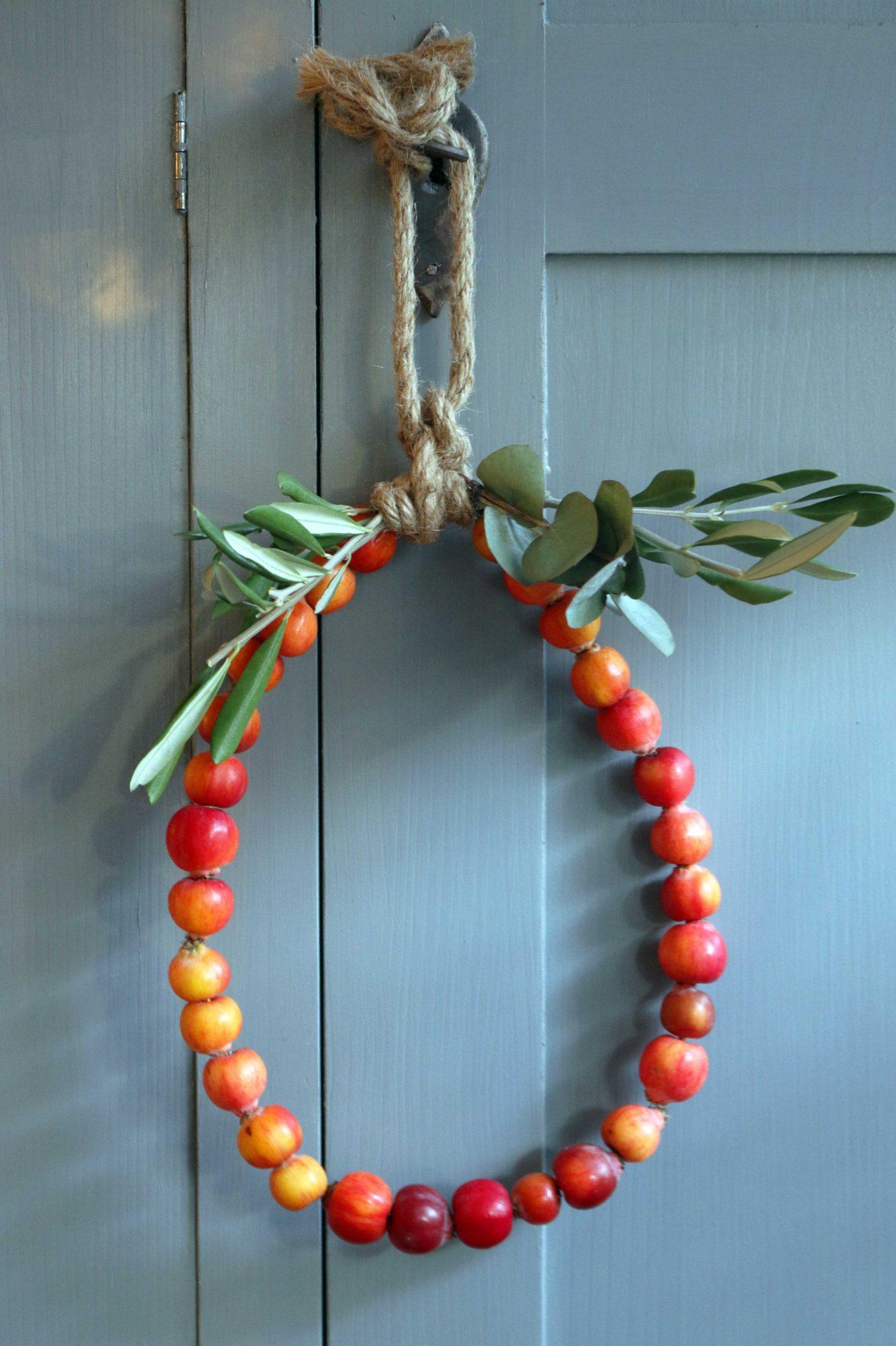 malusappeltjes in een herfstkrans